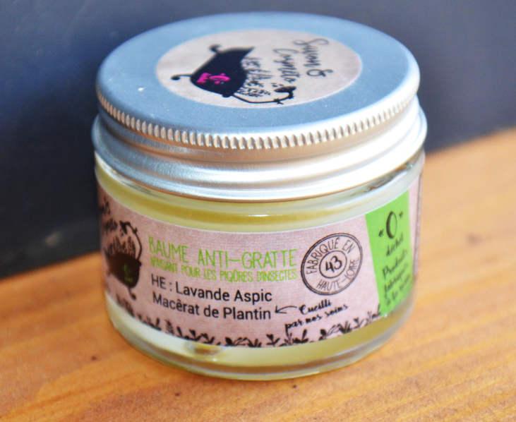 baume anti-gratte apaisant contre les piqûres d'insectes et d'ortie